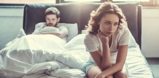 8 Reasons Why Loving Someone Too Much Kills the Love