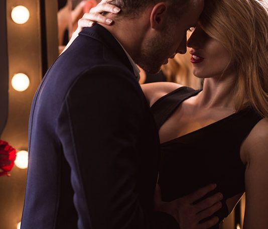 7 Steps For A Sizzling Makeout Session