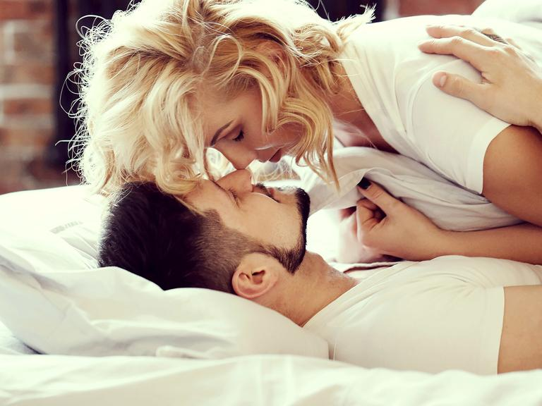 Naughty things to say to your boyfriend in bed