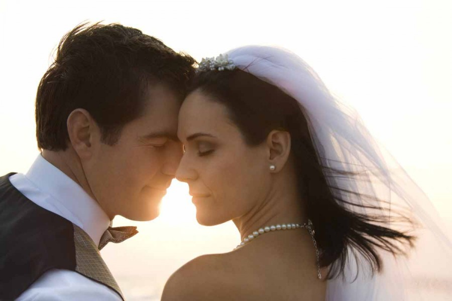 The Most Beautiful Wedding Vows To Take His/ Her Breath Away ...