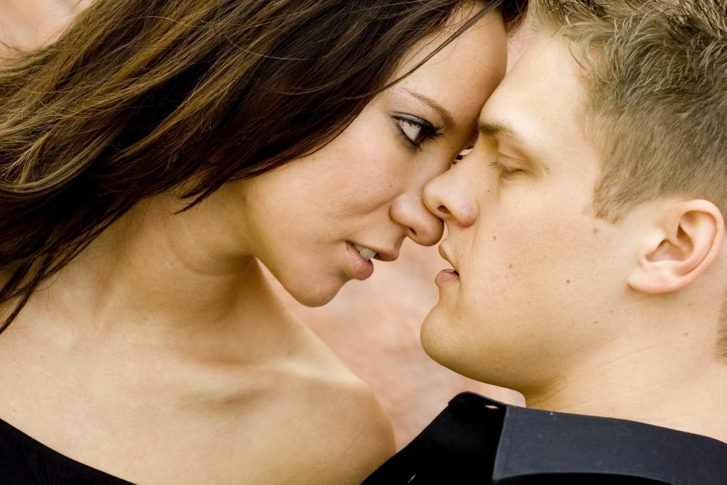 Definite Signs That Your Ex Wants To Get Back Together -likelovequotes