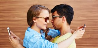Why 'Happy Couples' Post less about their Relationship on Social Media